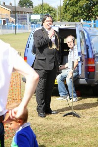 Norwich Lord Mayor with Peter from Pegasus Public Address Systems http://www.192.com/atoz/business/norwich-nr13/mobile-disco-operators/pegasus-mobile-disco-public-address-systems/0d2851f84b4d2494bf9379220a6655d5db04dd57/ml/